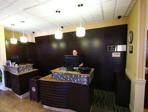 Ramada Plaza Nags Head Oceanfront - Front office