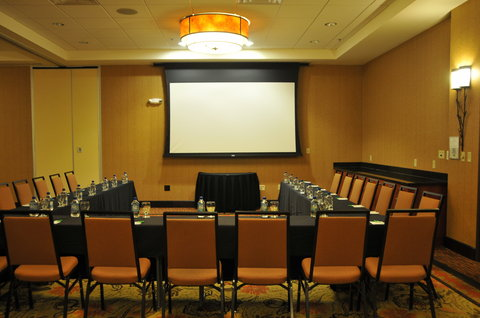 Holiday Inn Hotel & Suites DENVER AIRPORT - Rocky Mountain set up u-shape - Near Denver Airport