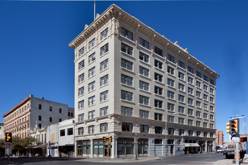 Hotel Indigo San Antonio at the Alamo 外観