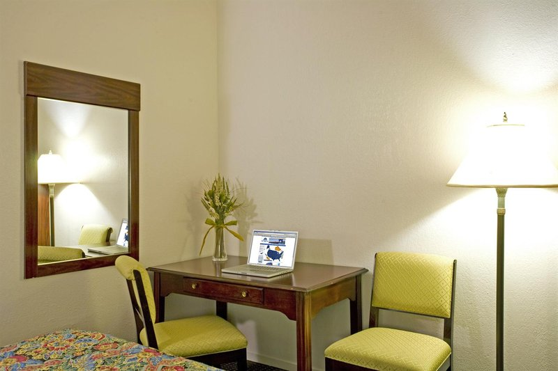 Americas Best Value Inn - Los Banos, CA