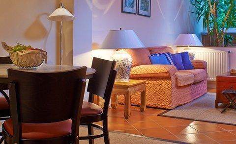 Xenios Apartments - Gardensuite