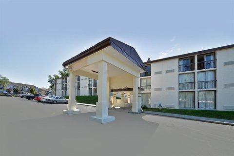 Americas Best Value Inn Bloomington - Exterior
