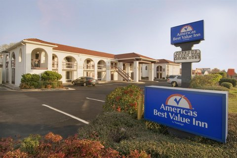 Americas Best Value Inn Gainesville - Exterior with Sign