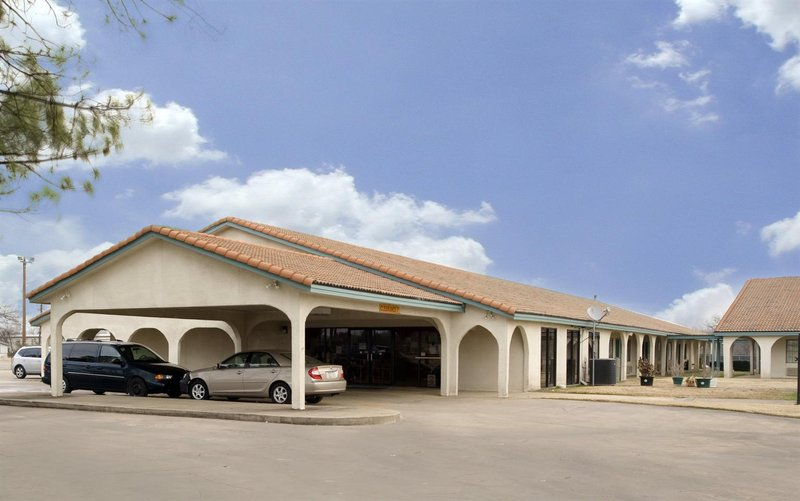 AMERICAS BEST VALUE INN BONHAM