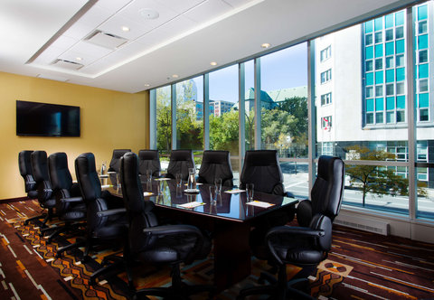 Courtyard Downtown Marriott - Jacques Demers Boardroom
