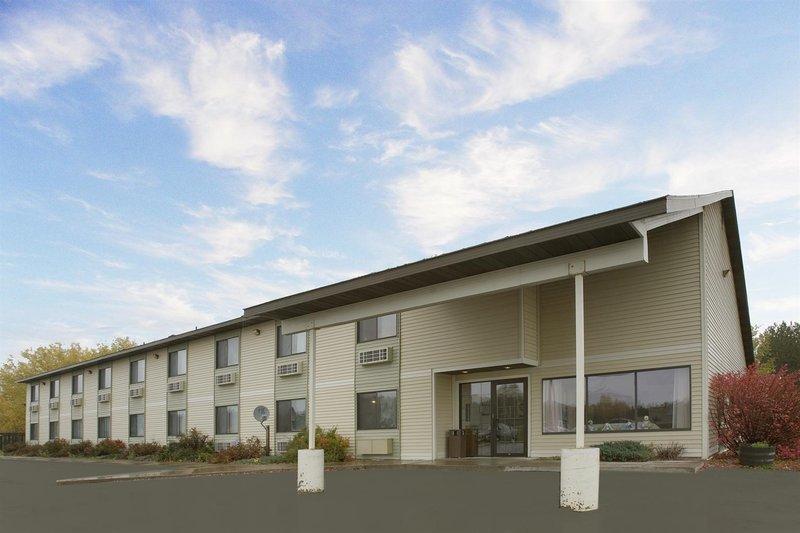 Americas Best Value Inn - Finlayson, MN