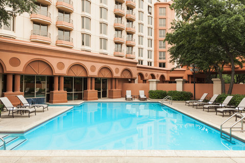 Sheraton Suites Market Center Dallas Hotel - Outdoor Pool
