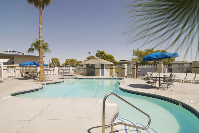 Americas Best Value Inn View of pool