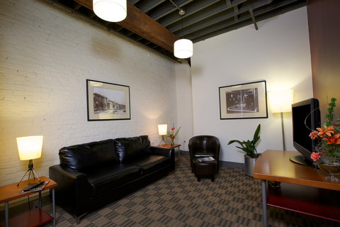 The Lofts Hotel - Superior Sitting Area
