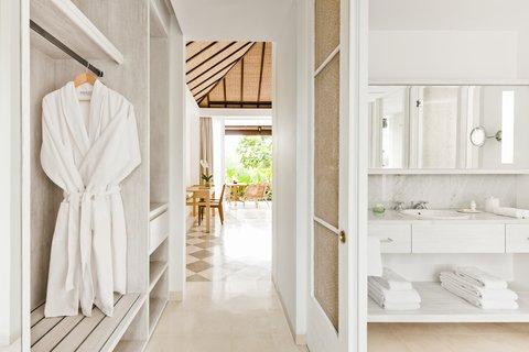 Uma Ubud - Terrace Room Bathroom
