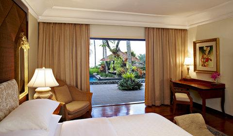 The Santosa Villas & Resort - Beach Front Villa Master Bedroom