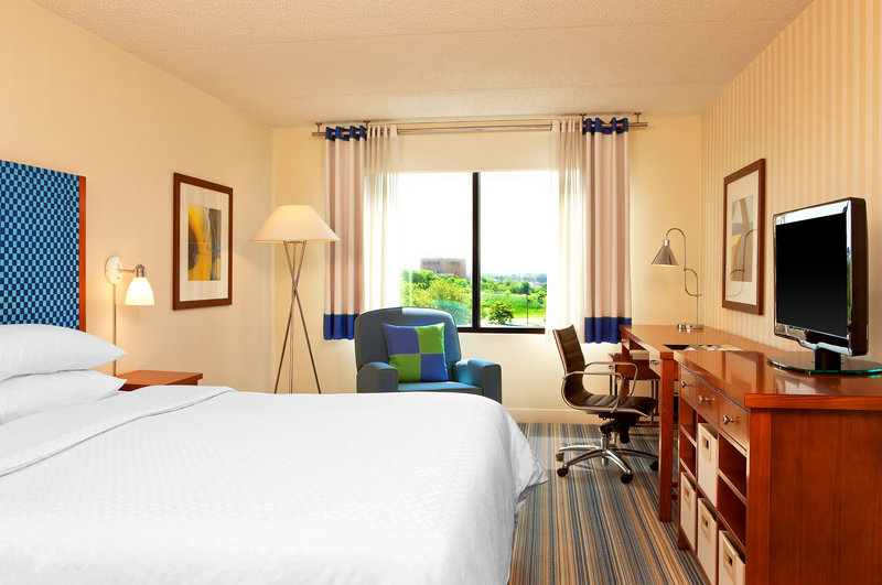 Four Points by Sheraton Philadelphia Airport Vista do quarto