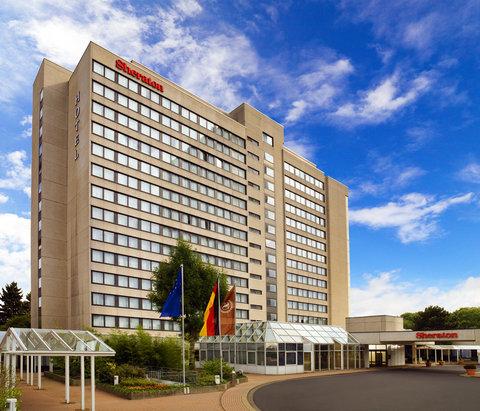 Sheraton Frankfurt Congress Hotel - Exterior