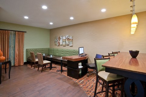 Hampton Inn Elkhart IN - IMGHampton Elkhart INBizcenter