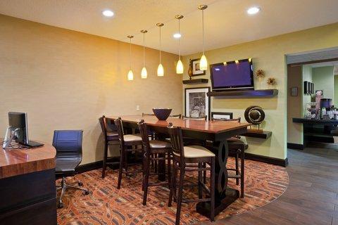 Hampton Inn Elkhart IN - IMGHampton Elkhart INBizcenter Lobby