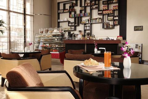 فندق كريستال أبوظبي - Blendz Cafe