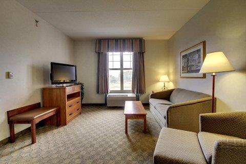 Hampton Inn & Suites Chicago / Aurora - King Suite