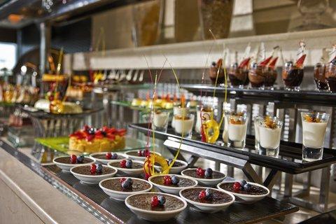 فندق كريستال أبوظبي - Gems Restaurant Buffet