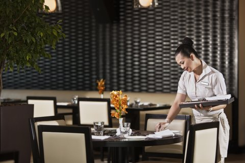 فندق كريستال أبوظبي - Gems Restaurant