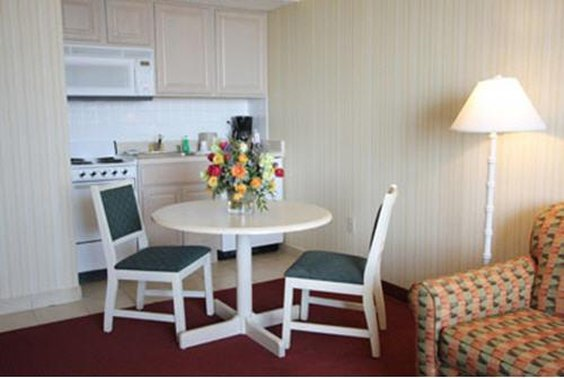 Barclay Tower Resort Hotel - Virginia Beach, VA