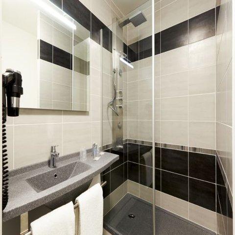 Kyriad Auray - Bathroom