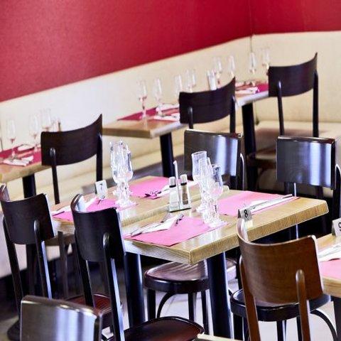 卡尔卡松兰庭西伊利亚德酒店 - Restaurant