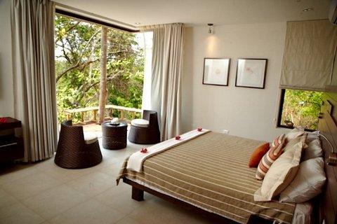 Las Flores Resort - Honeymoon Suite