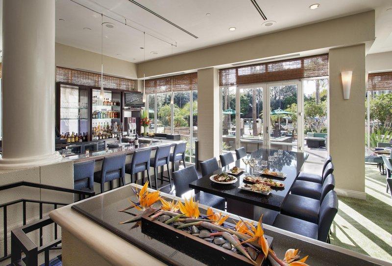Doubletree Hotel San Diego/Del Mar 酒吧/休息厅