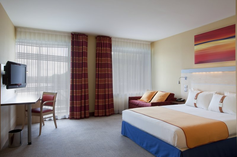 Holiday Inn Express Paris-Canal de la Villette 客房视图