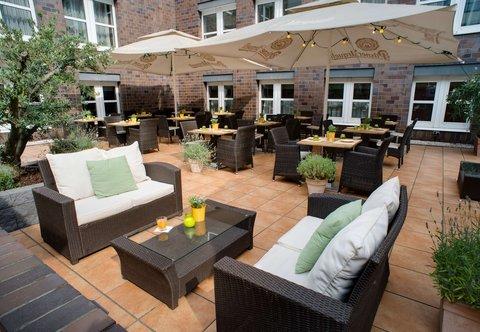 Cologne Marriott Hotel - Outdoor Terrace