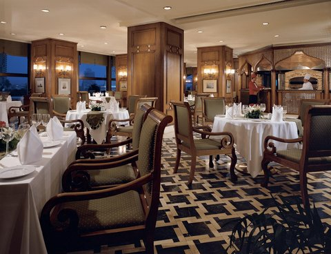 فندق شيراتون القاهرة - Restaurant