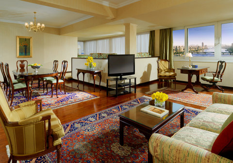 Sheraton Hotel Cairo - Grand Deluxe Suite Living Room