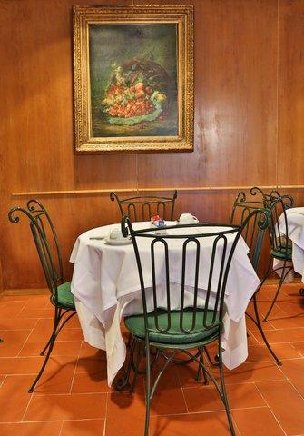 Villa Gabriele D'annunzio Hotel - Restaurant