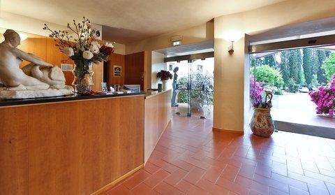 Villa Gabriele D'annunzio Hotel - Reception