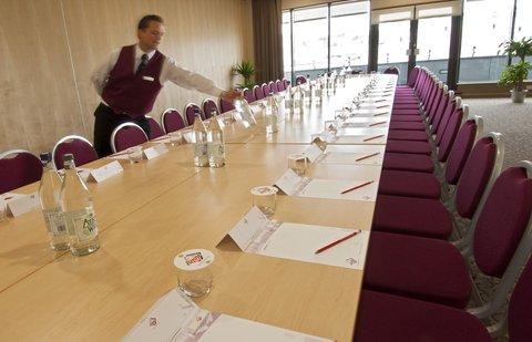 Future Inn Bristol - Boardroom Style at Future Inns