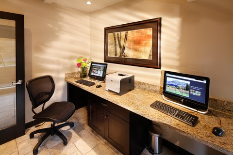 Best Western Plus Inn At The Vines - Business Center