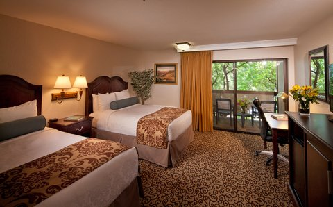Best Western Plus Inn At The Vines - Two Doubles Guest Room with Balcony