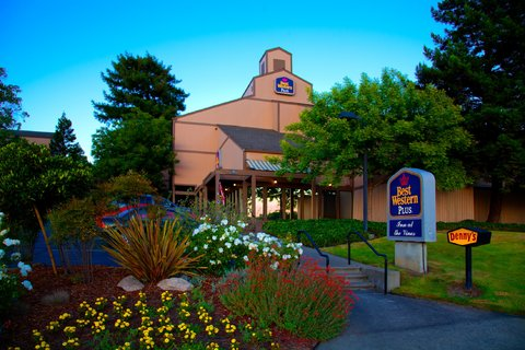 Best Western Plus Inn At The Vines - Exterior