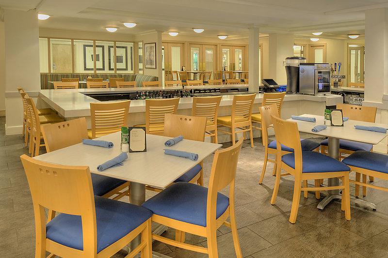 Sheraton Sand Key Resort Ravintolat