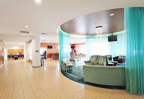 SpringHill Suites Cincinnati Midtown - Lobby