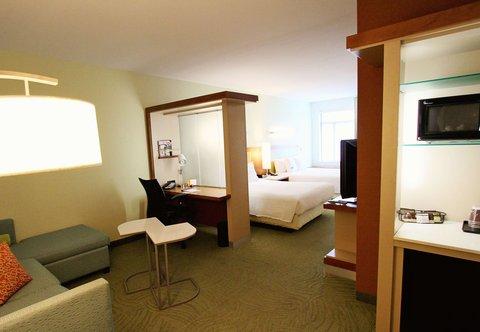 SpringHill Suites Cincinnati Midtown - Queen Queen Suite
