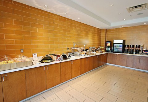 SpringHill Suites Cincinnati Midtown - Breakfast Area