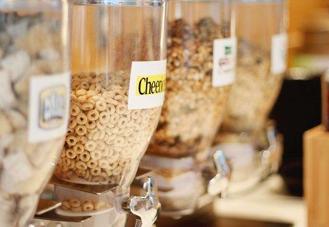 SpringHill Suites Cincinnati Midtown - Breakfast Buffet   Cereal Bar