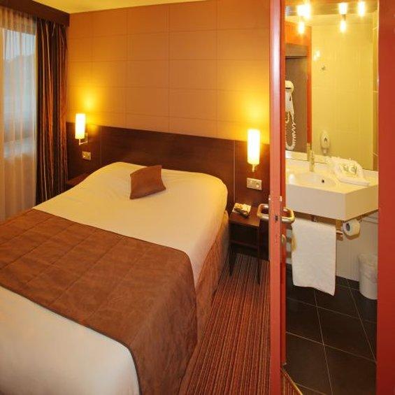 Hotel Restaurant Kyriad Poitiers Sud Aeroport Zimmeransicht