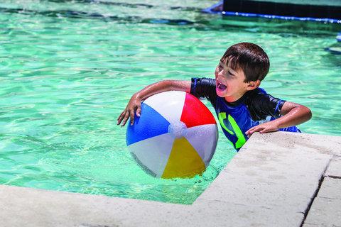 Hyatt Regency Pier Sixty-Six - FTLHP P203 Lifestyle Pool Boy