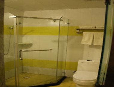 Super 8 Hotel Qingdao Chengyang Agricultural University - Bathroom