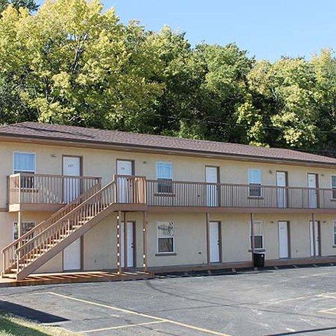 Golden Wheat Budget Host Inn - Golden Wheat Budget Host Inn Junction City Exterio