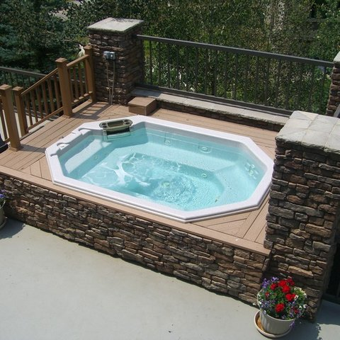 Mountain Edge Condominiums - Hot Tubs