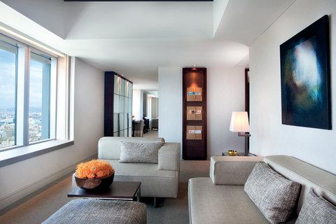 فندق آرتس برشلونة - Executive Suite Lounge with city view
