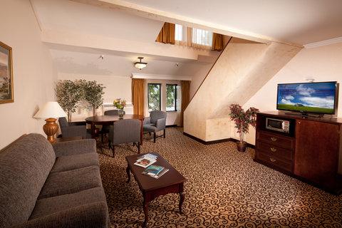 Best Western Plus Inn At The Vines - Two-Story Loft Suite